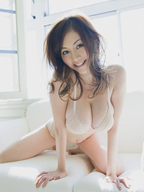 секс с японской сисястой девушкой