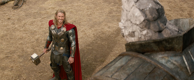 Thor: The Dark World Thor (Chris Hemsworth) & a Kronan fight