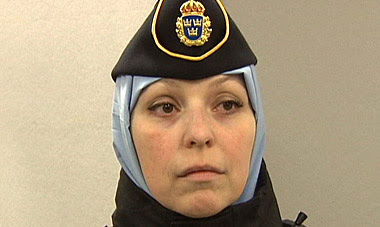 Сотрудники шведской полиции могут носить тюрбаны и платки
