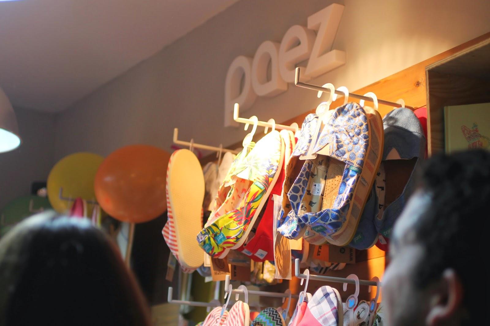 alpargatas Paez ha abierto en Zaragoza su primera tienda. Un pequeño local lleno de buen rollo y color por todas partes. La marca nació en Buenos Aires