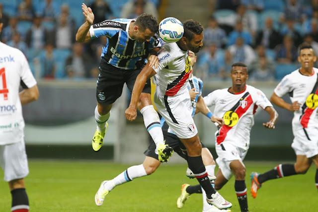 Vindo de derrota para o Grêmio, pelo Brasileirão, Joinville tenta se recuperar contra Furacão (Foto: Lucas Uebel/GFBPA)