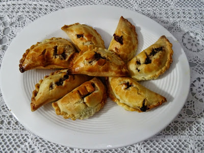 Ricotta & chocolate hand pies