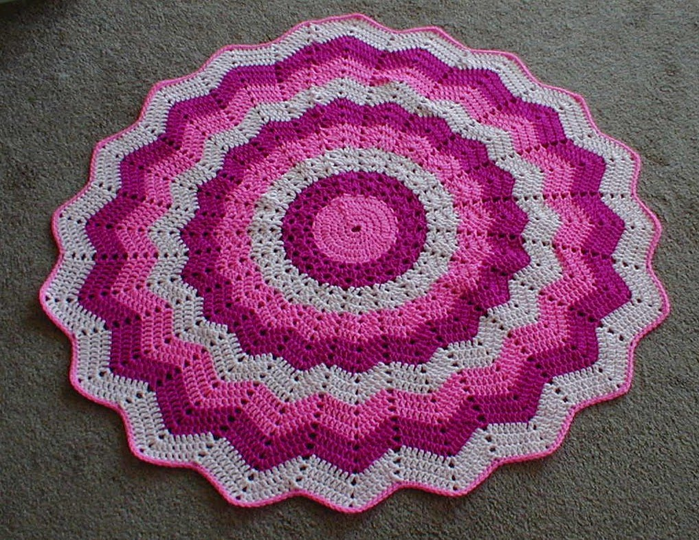 Crochet Pattern For Chevron Baby Afghan : Karens Crocheted Garden of Colors: 20-Point Pink Baby Blanket