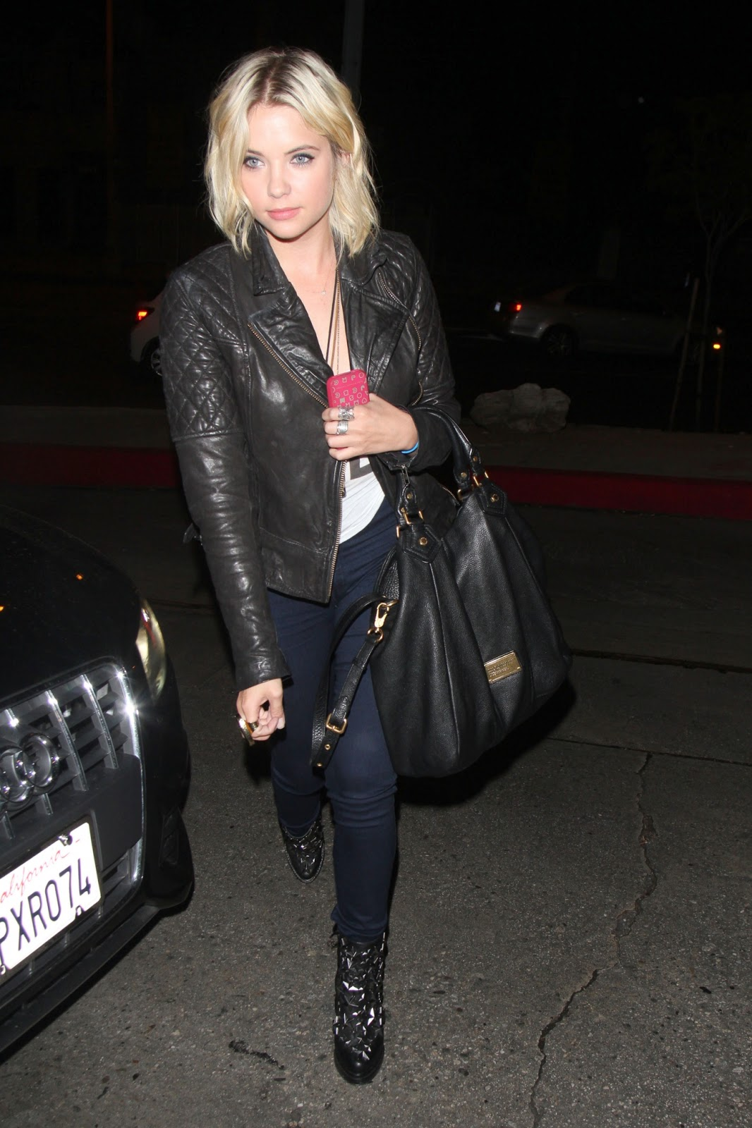Celebrity Fashion  A La  Ashley Benson's Street Look
