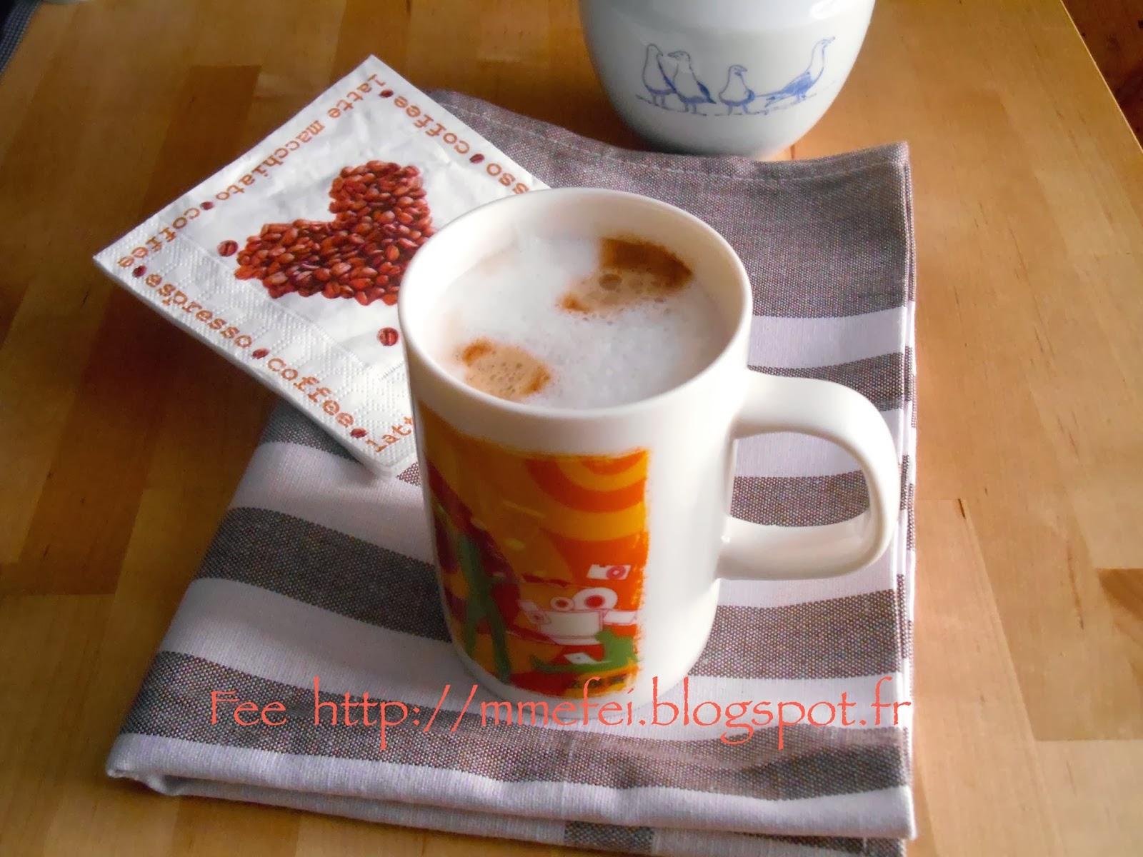 fee kitchen comment faire mousser le lait pour un cappuccino ou caf latt. Black Bedroom Furniture Sets. Home Design Ideas