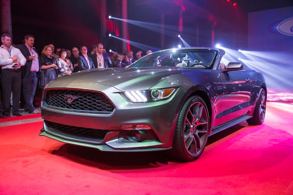 2015 Ford Mustang Goes Topless