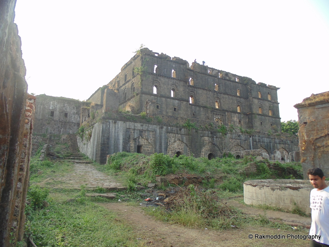 fort murud janjira Murud janjira is a mighty fortification located on an island off of the coastal village of murud in maharashtra this magnanimous fort has stood the test of time and still has its 26.