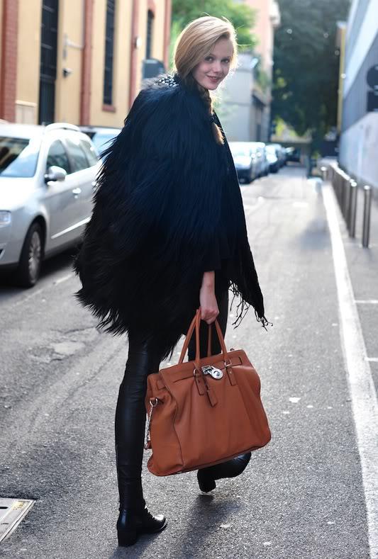 Michael Michael Kors Hamilton Chain Large Vertical Tote Bag