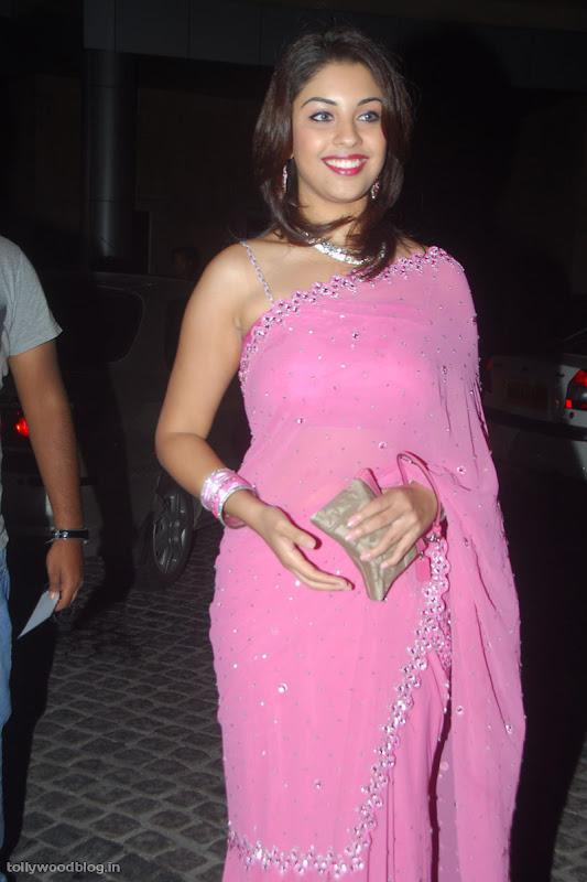 Richa Gangopadhyay latest new photos glamour images