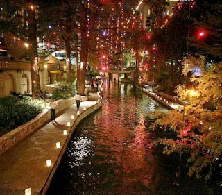 San Antonio River Walk (Best Honeymoon Destinations In USA) 10
