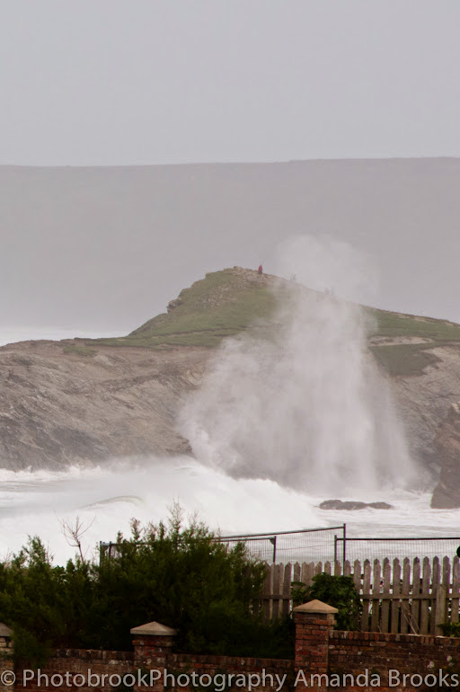 Massive waves ingolf Porth Island