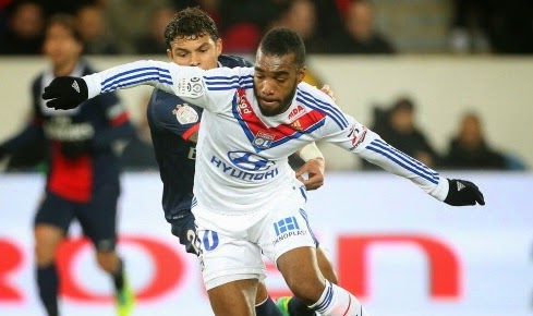 Arsenal and Liverpool to fight for Alexandre Lacazette