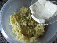 Crochete de cartofi cu branza preparare reteta