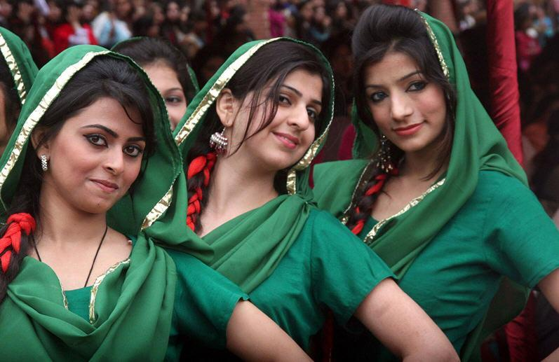 Lahori girls