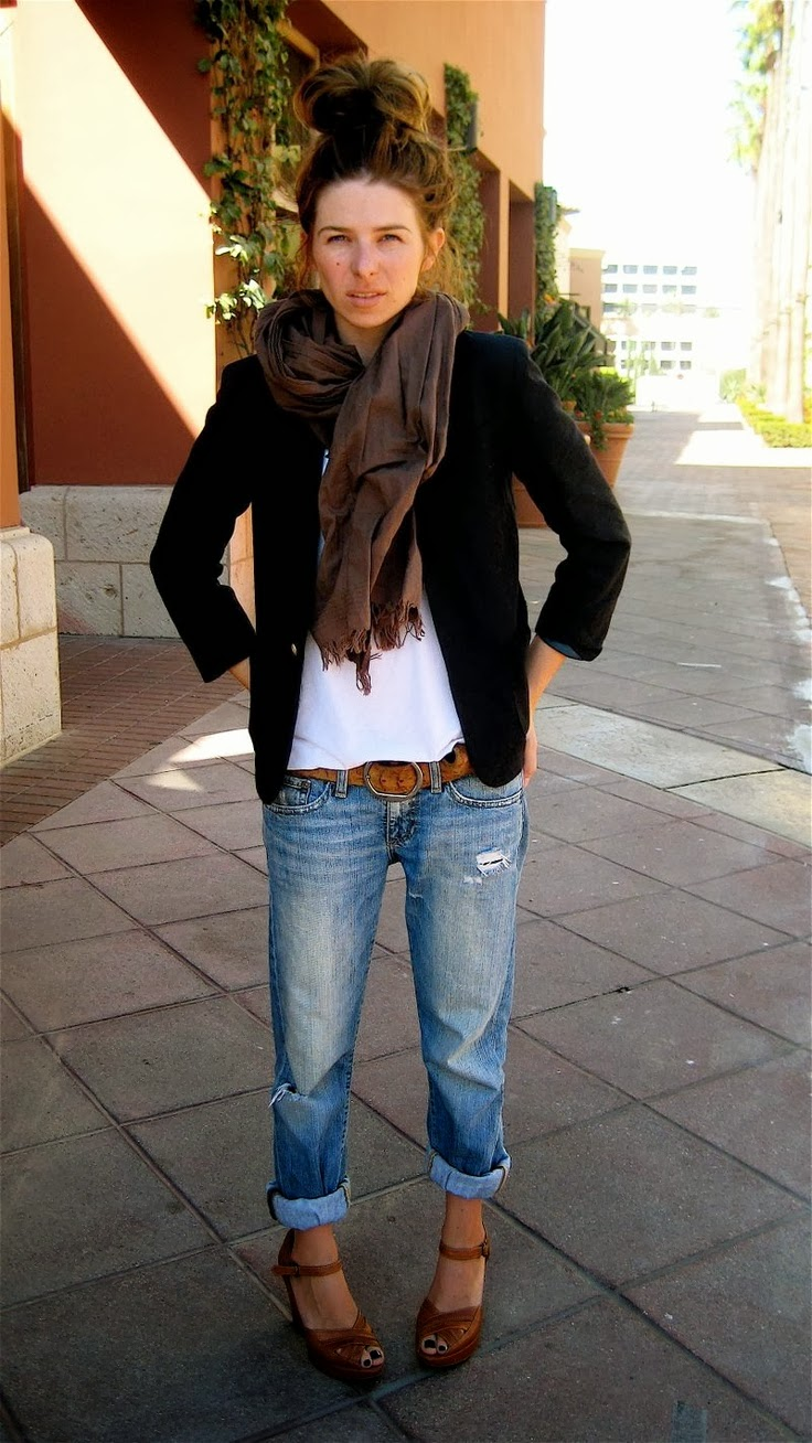 White tee, black blazer, boyfriend jeans, brown accessories.