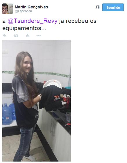 @Tsundere_Revy Revy suporte, espeon, kabum black. Namorada do matsukaze. Já recebeu os equipamentos na Kabum Black, louça para lavar. Primeira garota no competitivo de League of Legends BR.