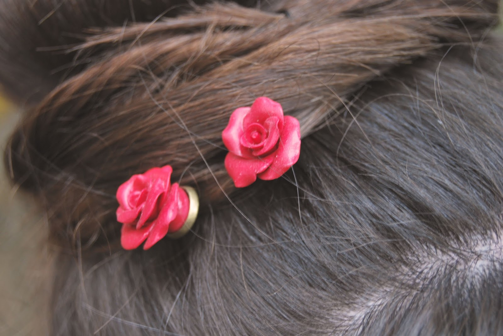 horquillas rosas rojas