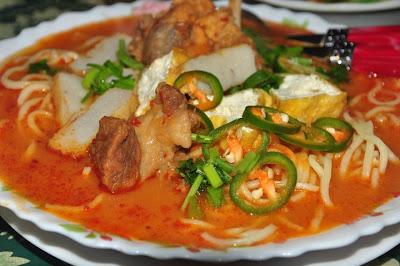 HITAM - HITAM SI TAMPUK MANGGIS: Resepi Mee Rebus Daging Cincang