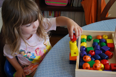 Bead Sequencing Set for Preschoolers by Melissa & Doug, Working Fine Motor Skills
