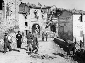Roncofreddo nei giorni successivi alla liberazione 10 ottobre 1944