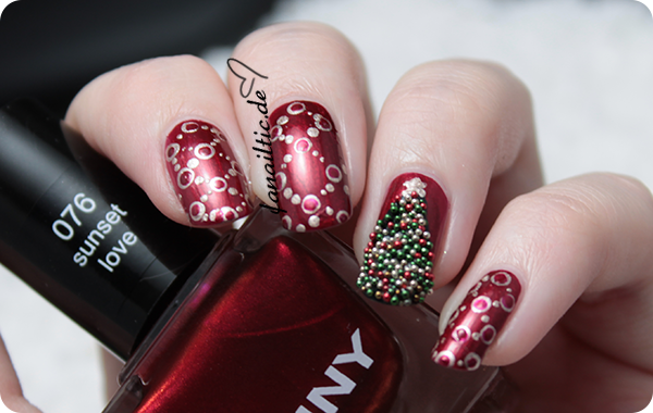 "anny ""sunset love"", essence ""gold digger"" ciaté ""christmas tree caviar"" dotticure weihnachten"