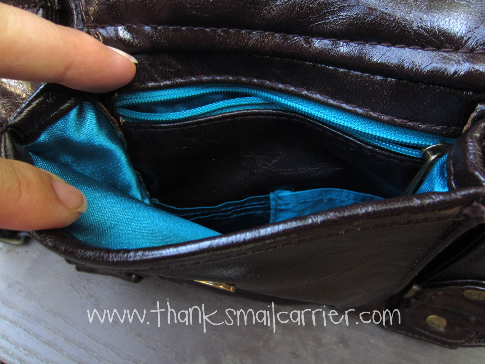 exterior purse pocket