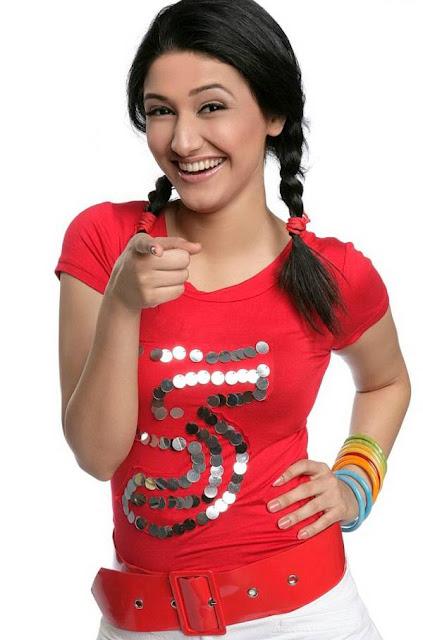 Ragini Khanna smiling