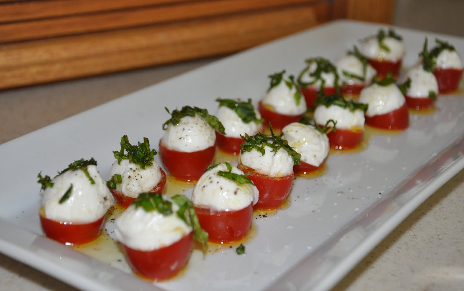The party wall recipe bite size caprese salad appetizers for Great party appetizer recipes