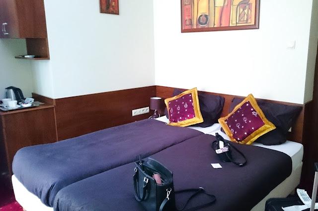 Zimmer und Betten im Hotel