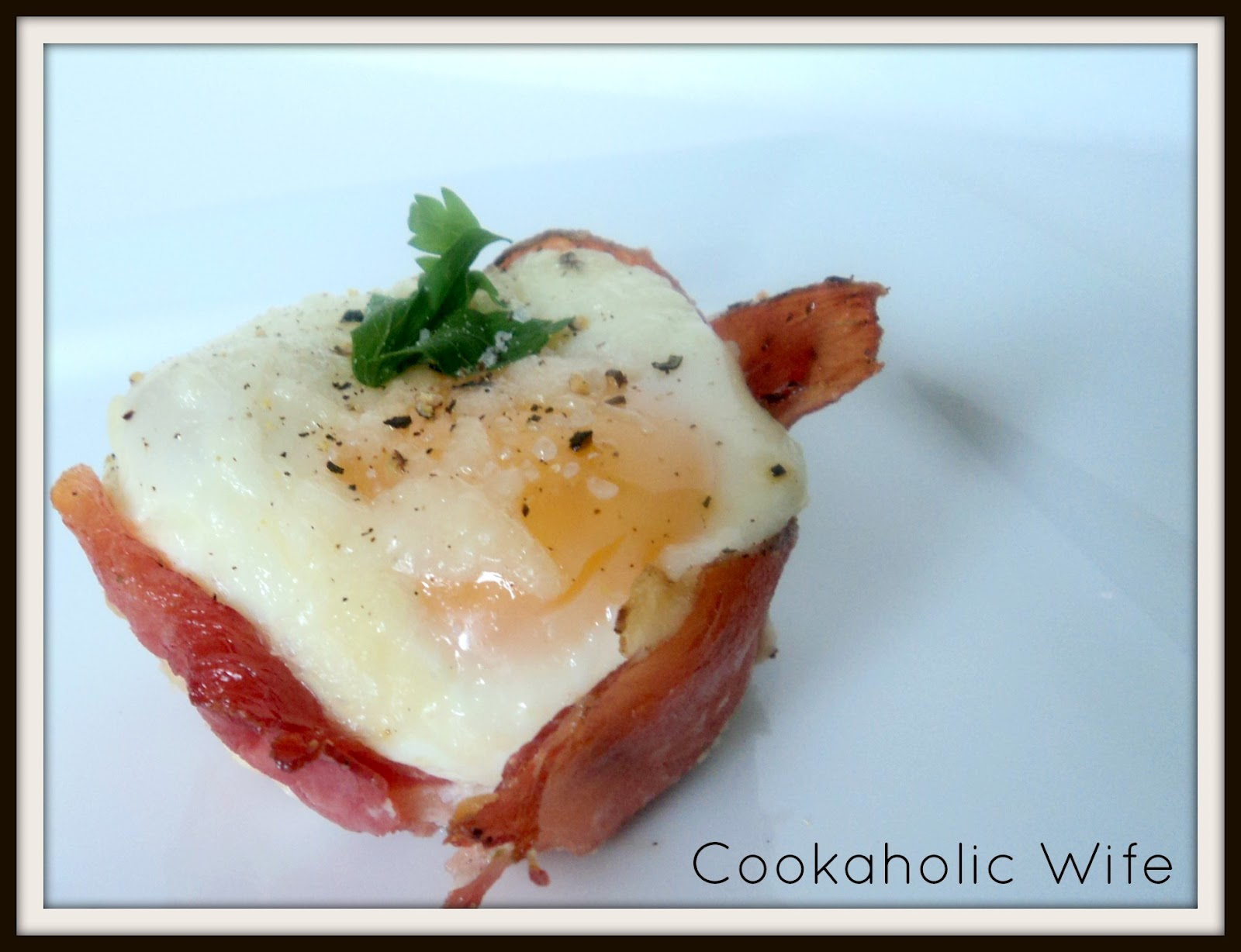 Cookaholic Wife: Prosciutto Egg Cups