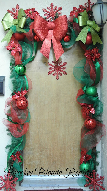 "alt=""Christmas door decor"""
