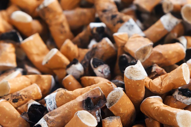 Janganlah Merokok Ketika Orang-orang Berada Disekitarmu