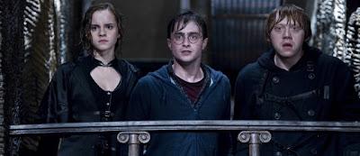 Hermione Granger (Emma Watson), Harry Potter (Daniel Radcliffe) et Ron Weasley (Rupert Grint) dans Harry Potter et les reliques de la mort (partie 2)