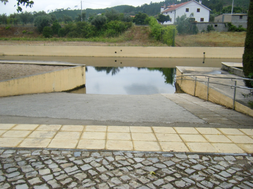 Zona de entrada na água para incapacitados