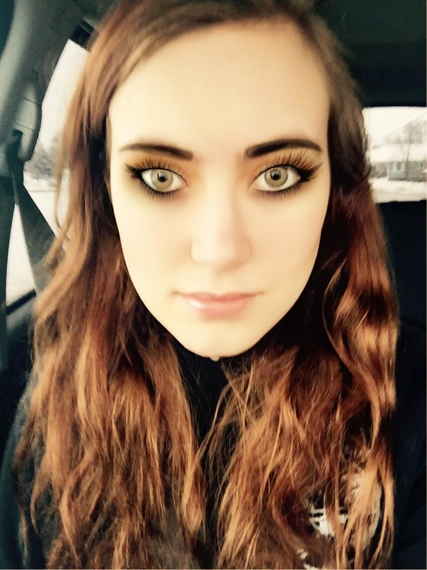 brunette-blogger-hanna-lei