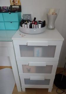 glamourela s glitterworld mein schminktisch malm von ikea. Black Bedroom Furniture Sets. Home Design Ideas
