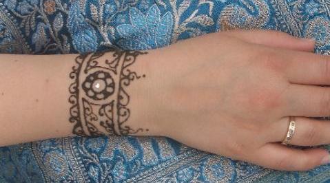Mehndi Wrist Joint : Mehndi bracelet designs