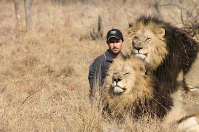 Kevin Richardson si Penakluk Singa