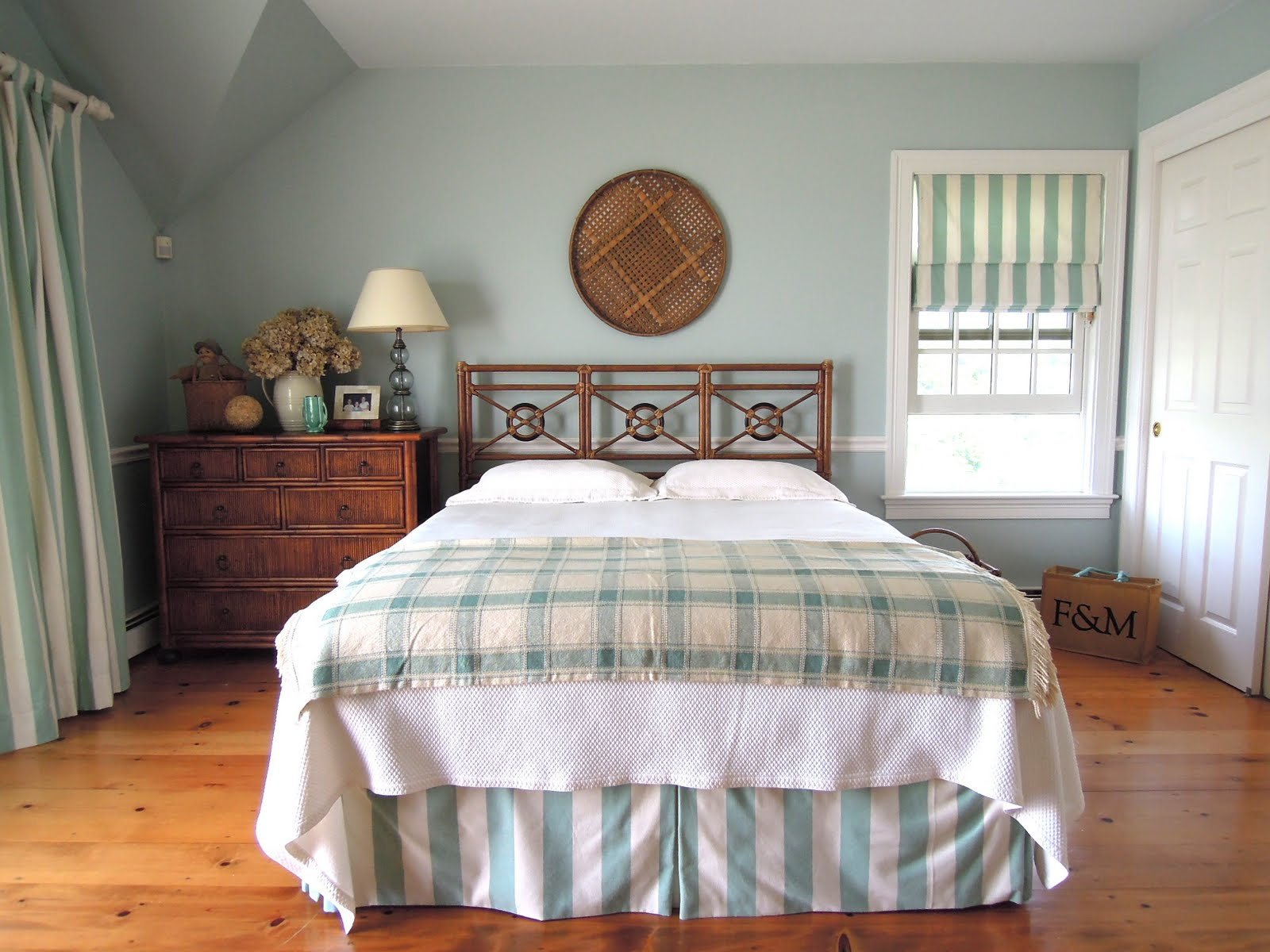 Antiqueaholics the master bedroom cape cod - Cape cod style bedroom image ...