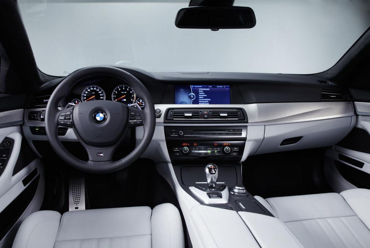 http://1.bp.blogspot.com/-lAmD5EtbfE8/TflEan7QtxI/AAAAAAAAB9g/5AysBmj9VWY/s1600/BMW+M5+%25282012%2529+Dashboard.jpg