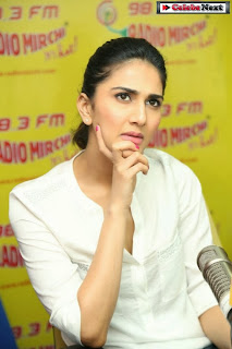 Actress Vaani Kapoor Pictures in Jeans at 98.3 Radio Mirchi with Aaha Kalyanam Movie Team  0064