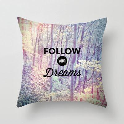 http://1.bp.blogspot.com/-lAzN-77YolA/UqnO06gT7eI/AAAAAAAADk4/qymZxRngsVk/s640/pillow+dreams.jpg