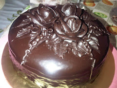 Rich Choc Moist kek with roses