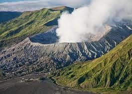Kawah Gunung Bromo - Probolinggo Jawa Timur
