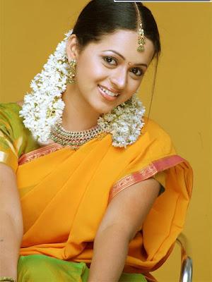 Kamapichachi Actress Photos