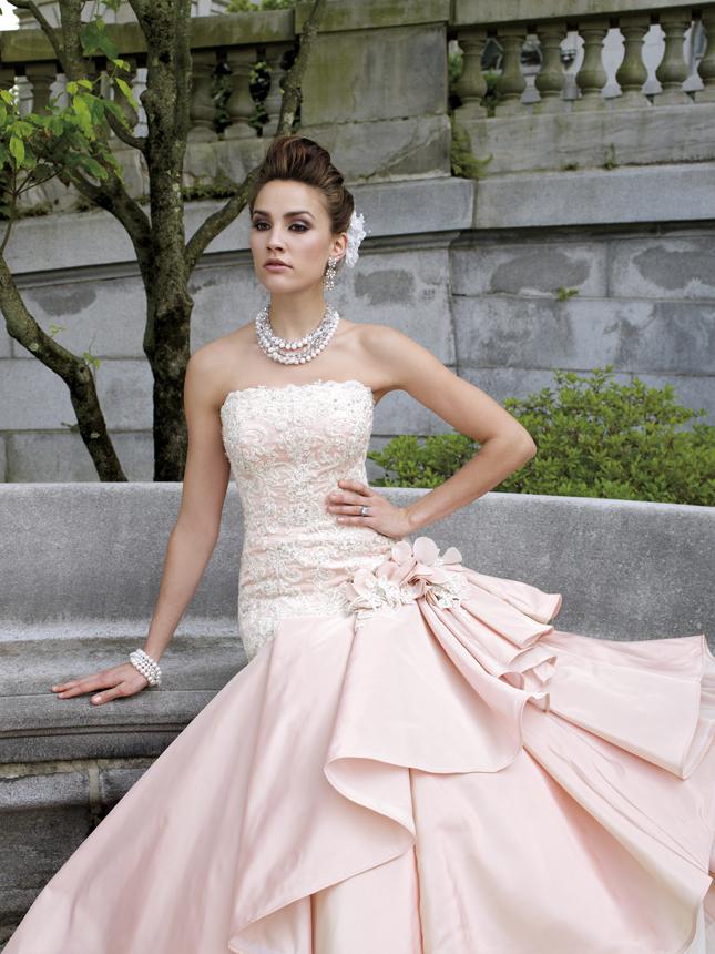 مجموعه رآئعه فساتين الزفاف 2013