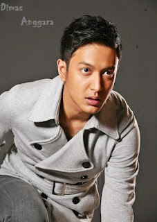 Dimas Anggara Aktor+Indonesia Foto dan Biodata Lengkap Dimas Anggara