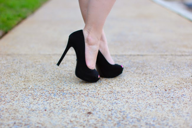 black pumps from schutz