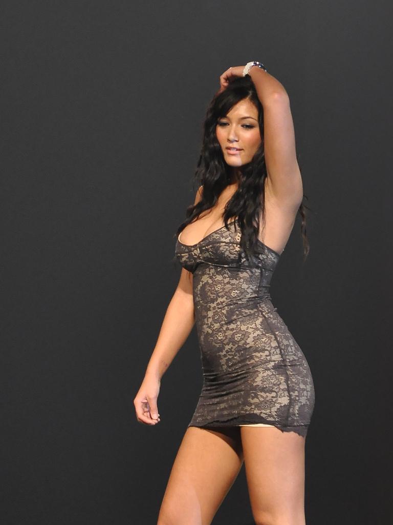 2011 fhm sexiest victory party bikini model 03