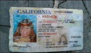 Publican fotos de los zapatos y licencia de conducir de Jenni Rivera en zona de catástrofe